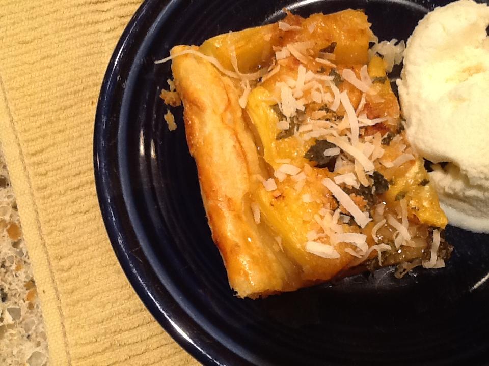 Grilled Pineapple Tart with vanilla ice cream